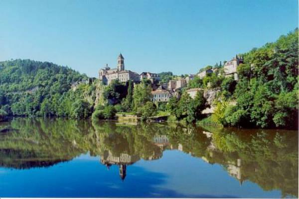 Karpervissen-op-de-rivier-de-Lot-in-Frankrijk
